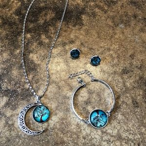Jewelry - NWT! Gorgeous necklace, braclet and earings